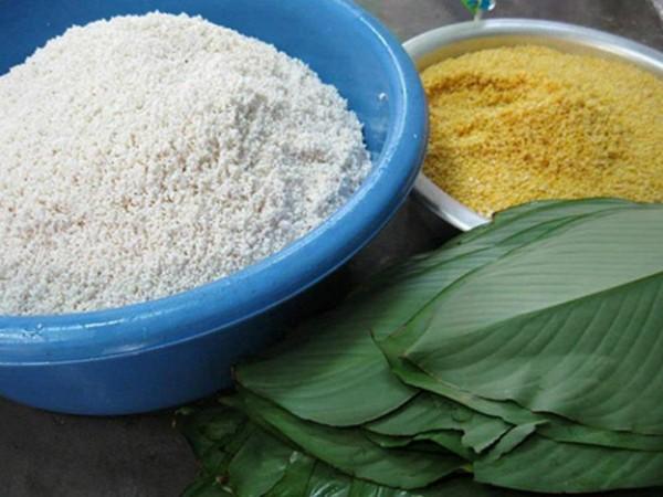 Cách gói bánh chưng xanh - ngâm gạo và đỗ với nước chuẩn bị gói bánh chưng
