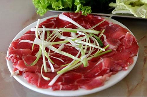 Cách làm bò nhúng dấm - Thịt bò thái sẵn
