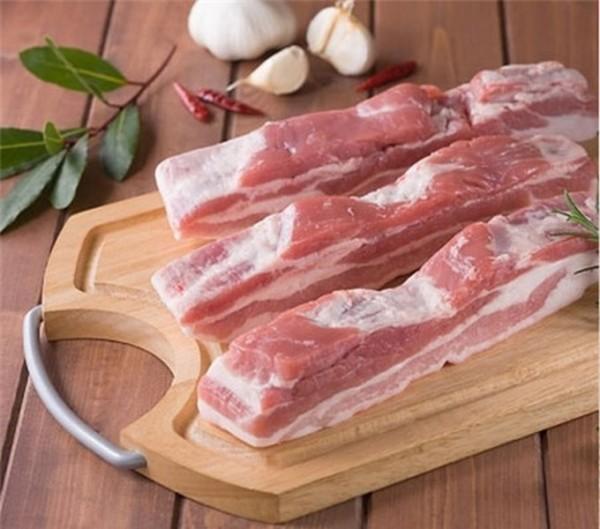 Thịt ba chỉ heo - cách làm thịt quay giòn bì