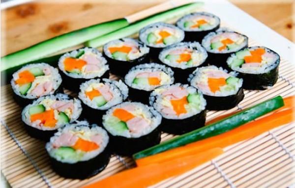 Cách làm kimbap cuộn rong biển Hàn Quốc đơn giản nhất ngay tại nhà
