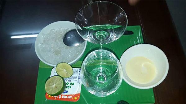 Nguyên liệu làm sữa chua đánh đá truyền thống - cach lam sua chua danh da