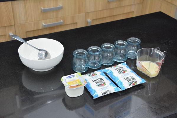 Nguyên liệu cần có - cách làm sữa chua hoa quả tại nhà
