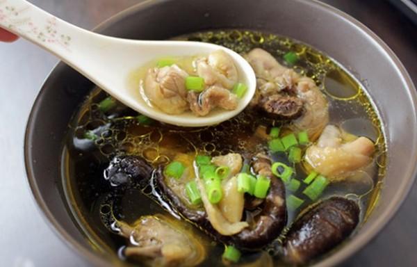 Cách nấu canh gà lá giang, canh gà nấm cực ngon - cach nau canh ga