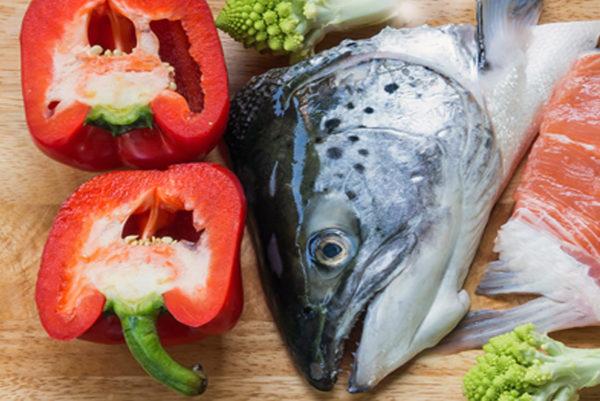 Đầu cá hồi - cách nấu lẩu cá hồi măng chua