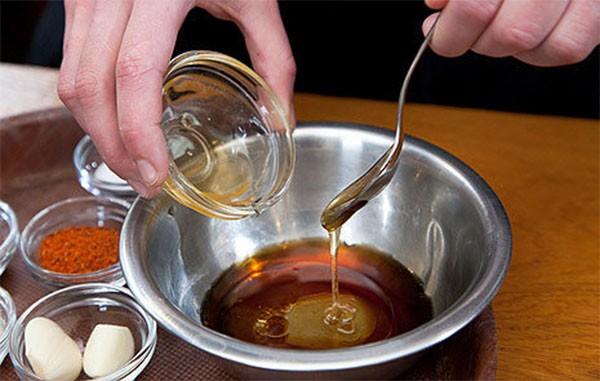 Mật ong dùng để ướp sườn nướng - cách ướp sườn nướng mật ong