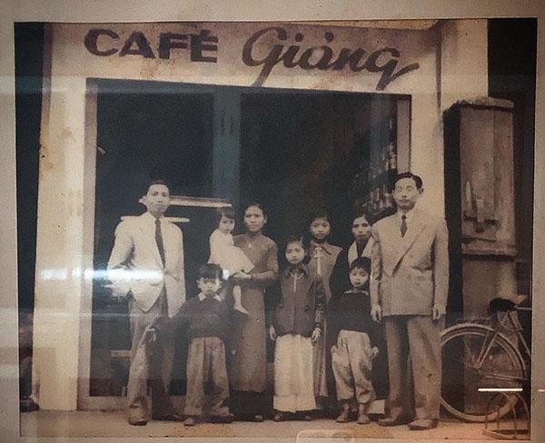 quán cafe trứng giảng 1930