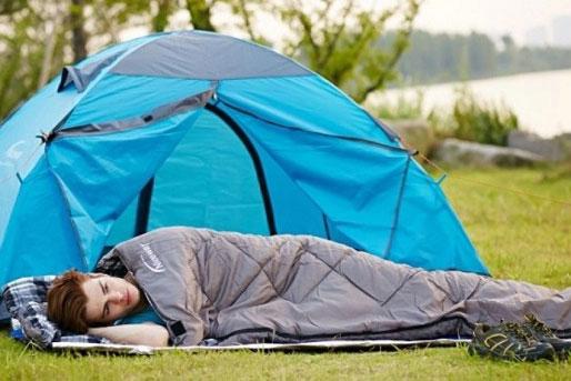 Nên mang theo túi ngủ mỗi lần đi xa để tránh bị cảm trong quá trình đi phượt