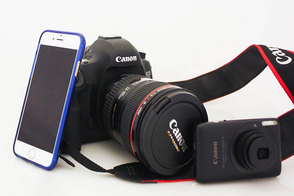 Việc lựa chọn máy ảnh hay điện thoại tùy thuộc vào nhu cầu của mỗi người