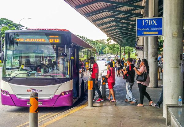 xe-bus-tai-singapore