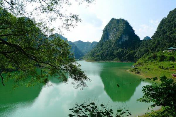 du lịch hồ Thang Hen Cao Bằng