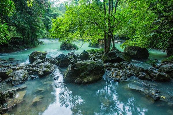 du lịch suối Lê Nin Cao Bằng