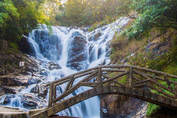 thác Datanla Đà Lạt
