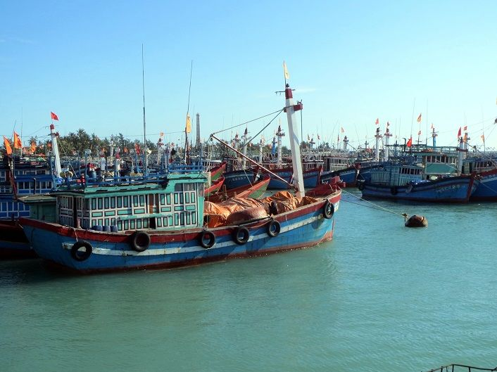Giúp cho tàu thuyền cập bến an toàn