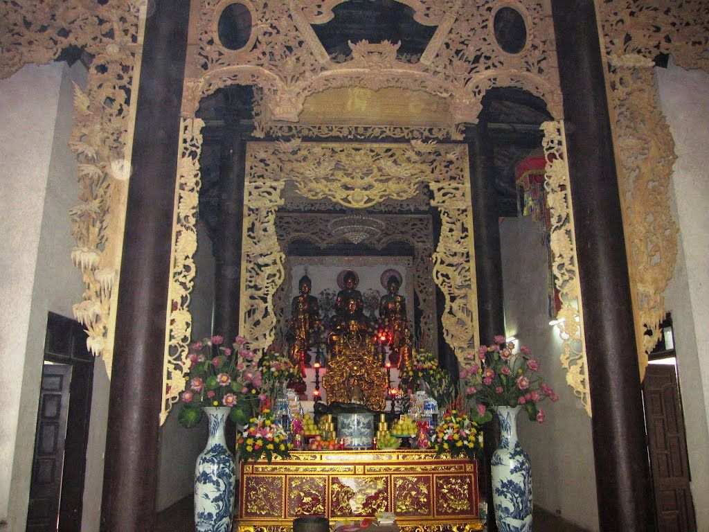 Tam bảo chùa Linh Tiên Hà Nội