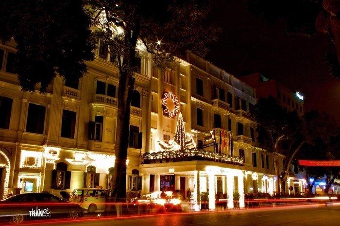 Sofitel Metropole Hotel lộng lẫy về đêm