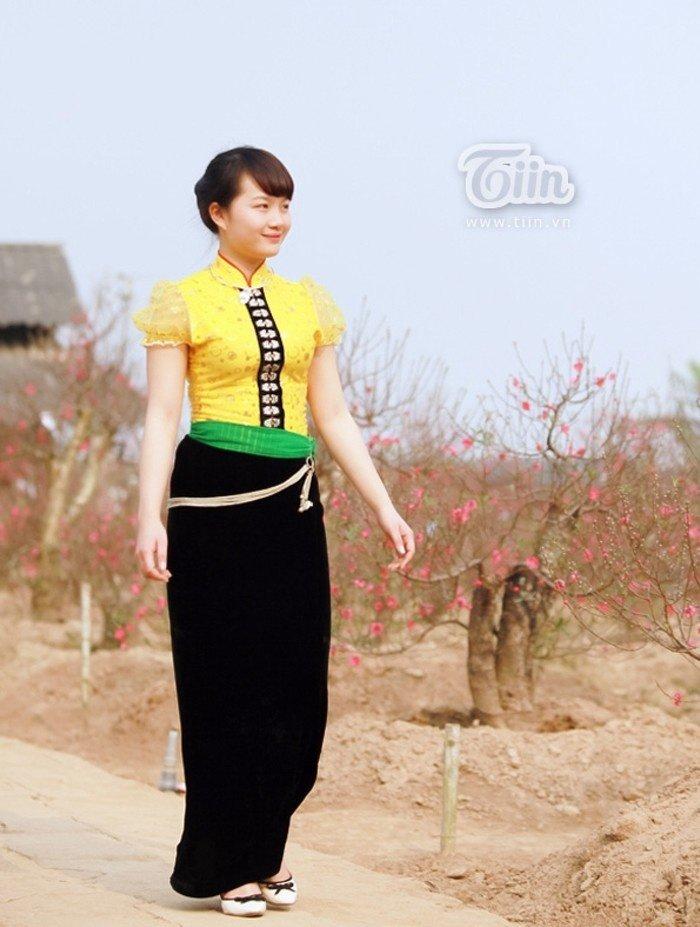 Uyển chuyển nét đẹp cô thôn nữ dân tộc Thái vùng sơn cước