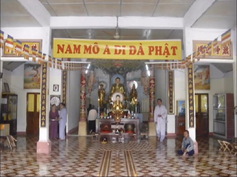 điện thờ chính - Chùa Quảng Đạt