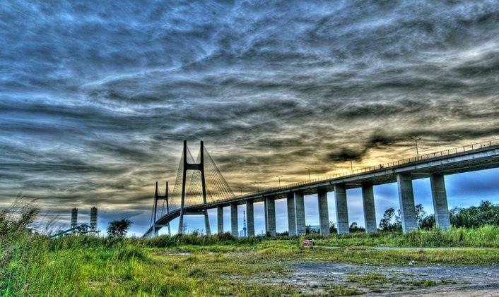 Vẻ đẹp hoành tráng, kỳ vĩ của cầu Phú Mỹ