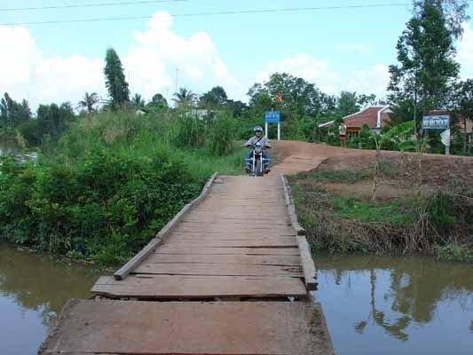 con đường vào chùa Hội Thọ