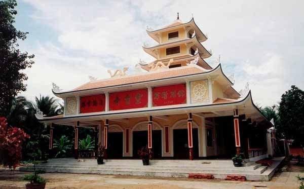 Chánh điện chùa Tuyên Linh Bến Tre
