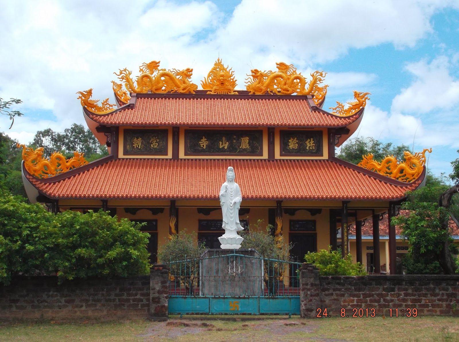 Chánh điện chùa Nhạn Sơn Bình Định
