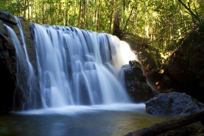 Những dòng suối thiên nhiên tuyệt đẹp ấn tượng du khách