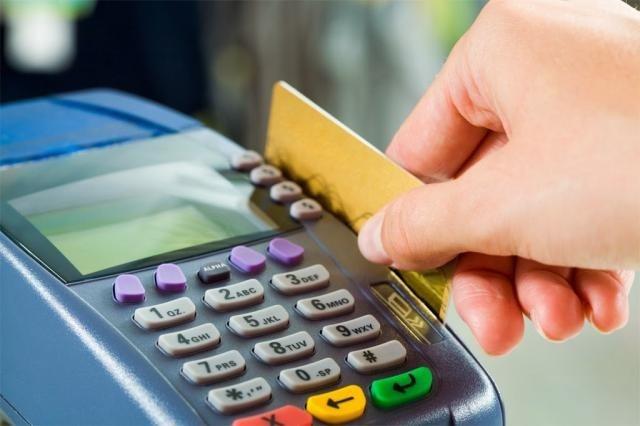 Quản lý tiền không đúng cách là một trong những nguyên nhân chính dẫn đến việc chi tiêu hoang phí khi đi du lịch