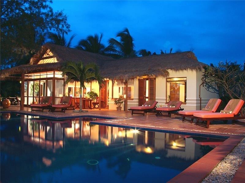 Lãng mạn với bungalow hướng hồ bơi