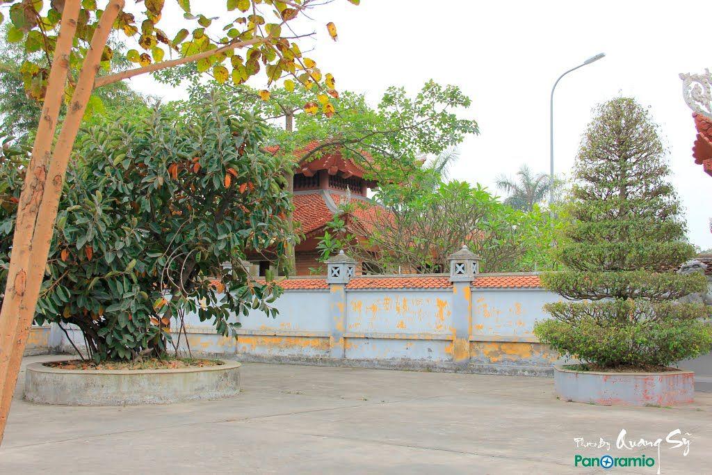 Quang cảnh đền liệt sỹ quận Hồng Bàng
