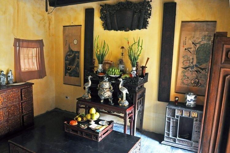 Màu sơn vàng, gỗ đen dễ khiến người ta liên tưởng tới những ngôi nhà ở Hội An.