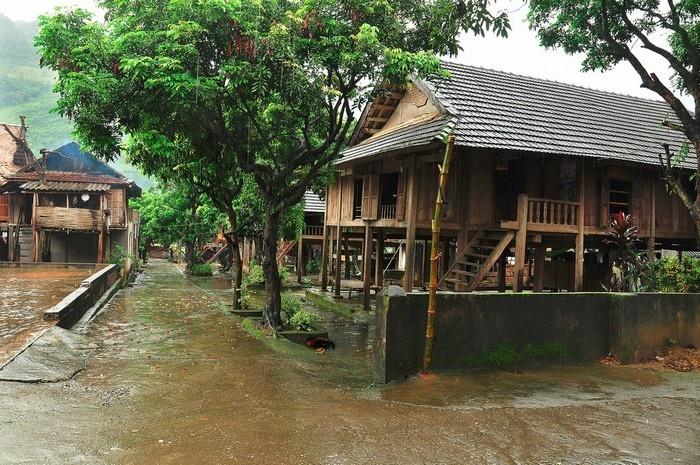 Nhà sàn dân tộc Thái