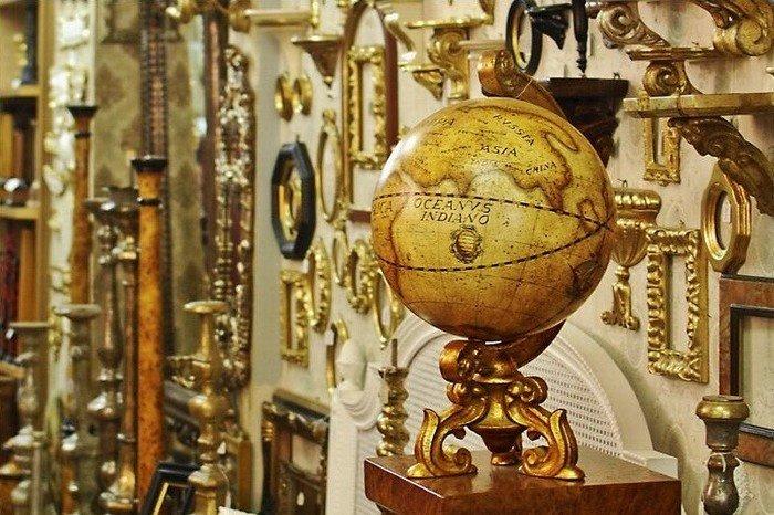 Hãy nhớ rằng, một kỉ vật đáng giá không phải ở giá trị thực của nó, mà là ở giá trị tinh thần, giá trị kỉ niệm của nó
