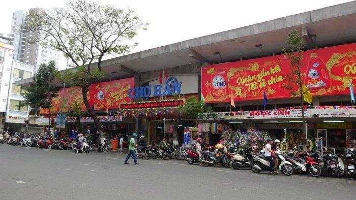 Đà Nẵng-Mặt trước chợ Hàn