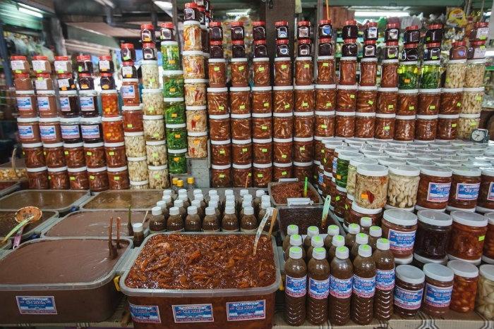 Đặc sản Đà Nẵng-bên trong chợ Cồn