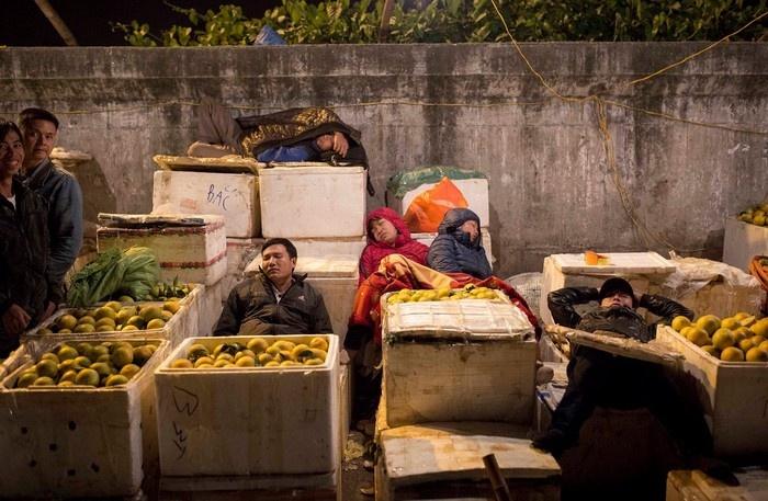 khám phá chợ Long Biên