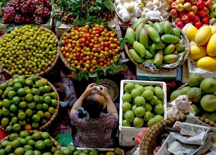 Những hàng quán trái cây tươi ngon