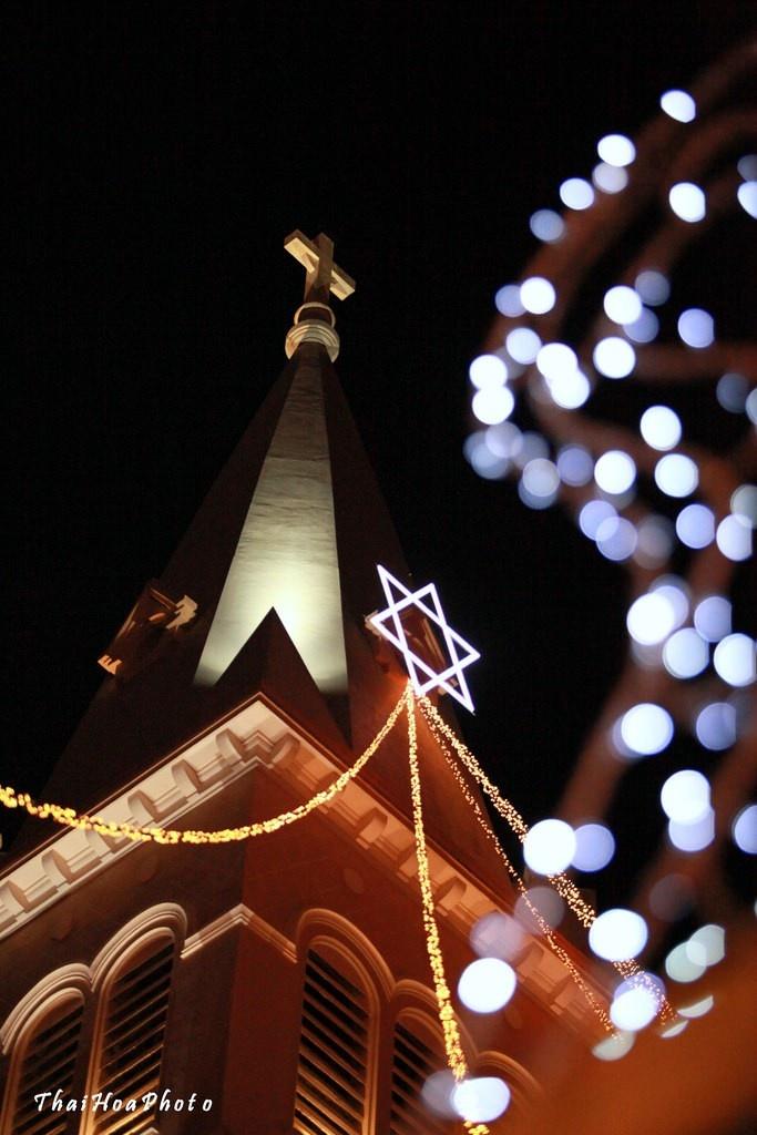 Lung Linh ánh đèn mỗi mùa Giáng Sinh về Đà Lạt