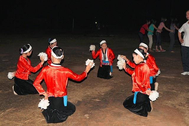 Điệu múa truyền thống của dân tộc Thái