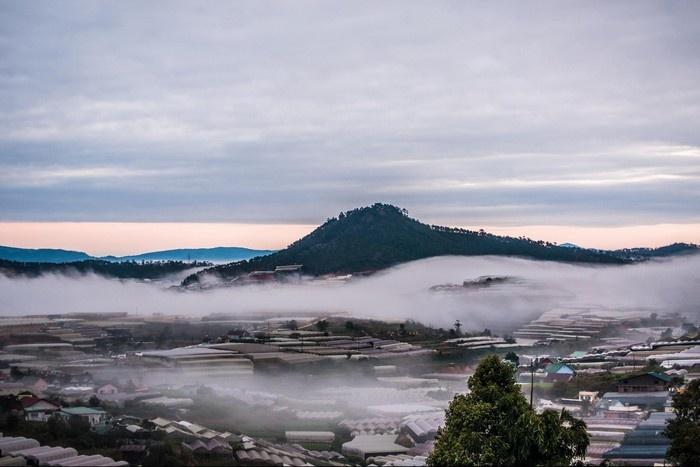 Đà Lạt lãng đãng trong sương trắng