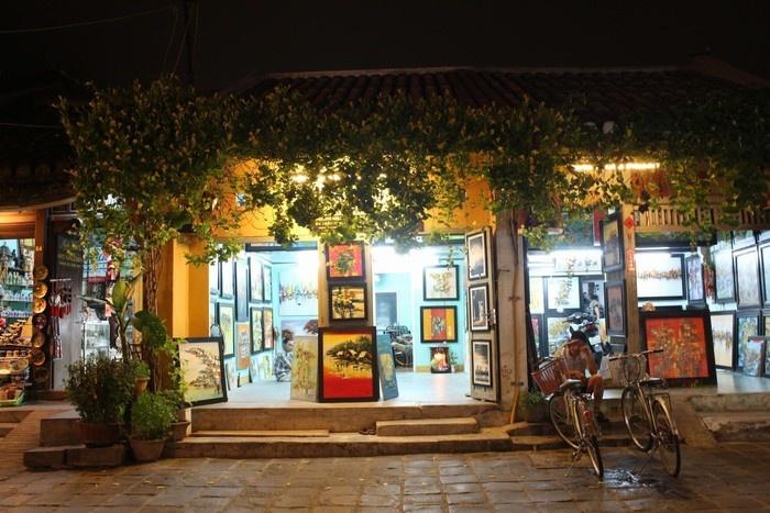 Những cửa hàng thơ mộng trong đêm