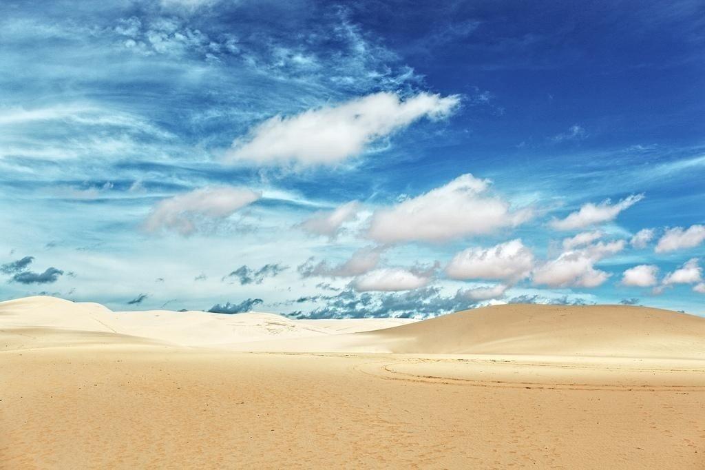 Chợt ngẩn ngơ trước gam màu hài hòa của cồn cát Trắng