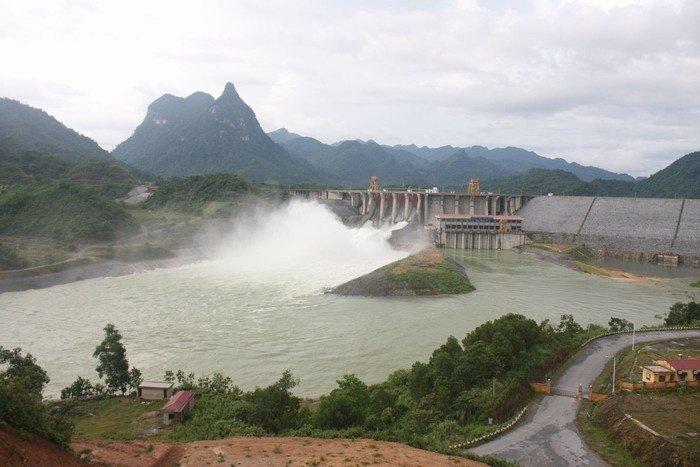 Du lịch Tuyên Quang, bạn ngỡ ngàng trước nhà máy thủy điện lớn nhất nhì vùng Bắc bộ