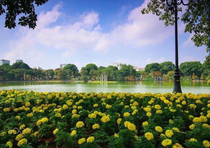 Hồ Hoàn Kiếm nhẹ nhàng tinh khôi buổi sáng