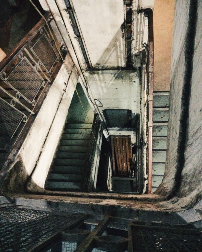 Lối cầu thang cổ điển Sài Gòn
