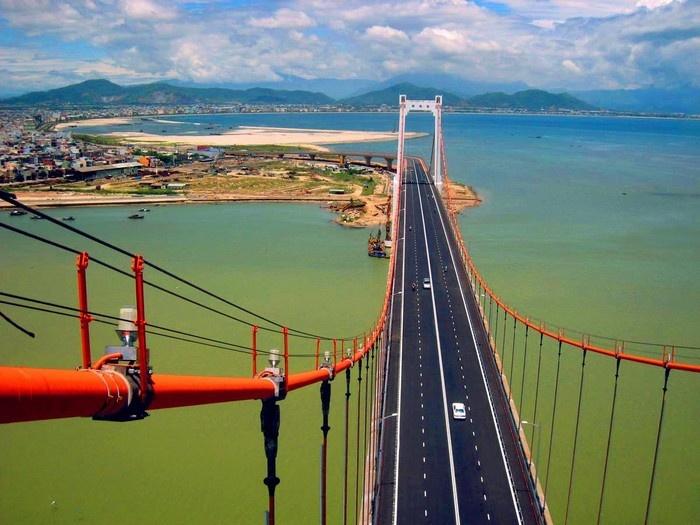 Cầu Thuận Phước là cây cầu dây võng dài nhất Việt Nam
