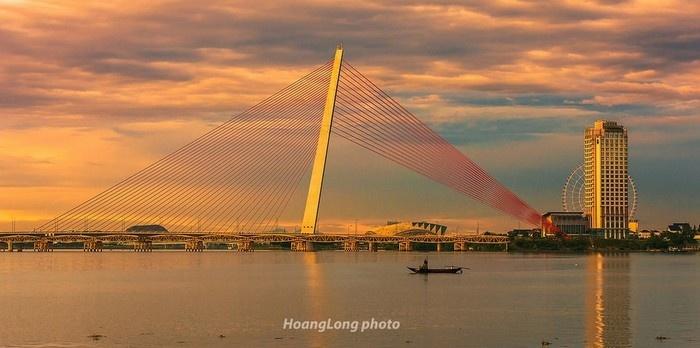 Cầu Trần Thị Lý bên dòng sông Hàn