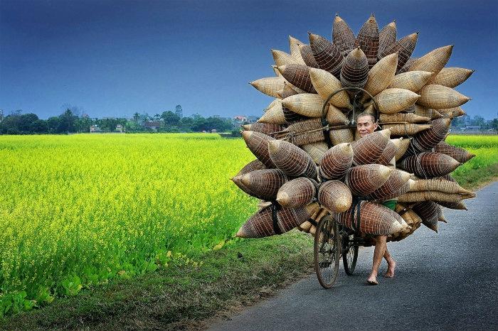 Lý Hoàng Long là đại diện duy nhất của Việt Nam đoạt giải Nhiếp ảnh gia du lịch năm 2015.