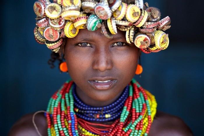 Thiếu nữ của bộ lạc Dassanech ở Omorate, Ethiopia