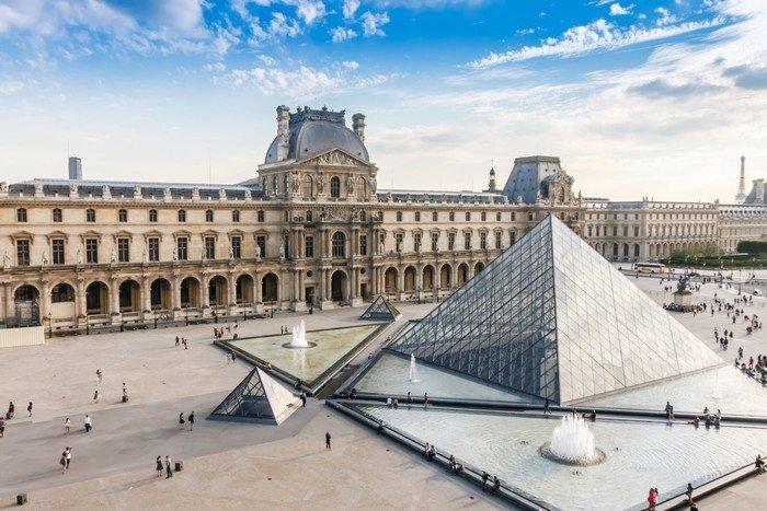 Bảo tàng Louvre, Pháp