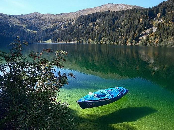 blue_lake_new-zealandjpg